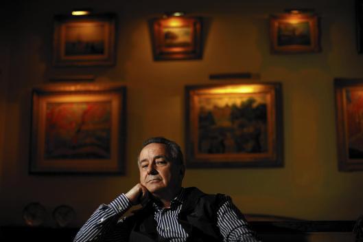 Simon Goodman, kleinzoon van Fritz Gutmann en zoon van Bernard Gutmann/Goodman is bijna zijn hele leven bezig met het achterhalen van de kunstcollectie die in Bosbeek aanwezig was (foto Rick Loomes/Los Angeles Times)