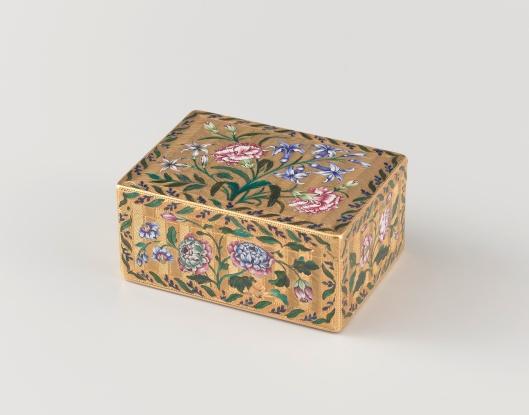 Eugen Gutmann verzamelde antieke Duitse gouden en zilveren edelsmeedkunst o.a. van de kunstenaar Jamnzitzer. Deze verzameling ging grotendeels over naar zijn zoon Fritz in Heemstede. Bovenstaand de foto van een gouden snuifdoos met bloesemboeketten in email, vervaardigd door L.A.Clérin. (Rijksmuseum Amsterdam)