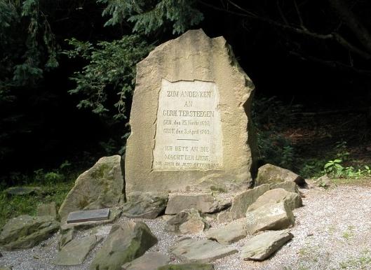 Monument voor Gerhard Tersteegen in het Witthausbusch, een volkspark in Mühlheim