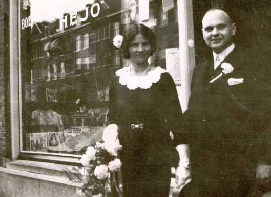 Leesbibliotheek NeJo in de Borneostraat 94, Amsterdam. Foto van Hans Jobse