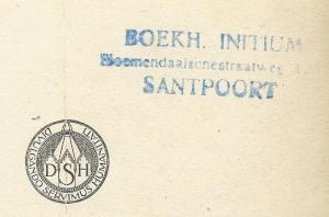 Boekhandel-leesbibliotheek Initium, Bloemendaalseweg, Santpoort. 'Initium' was een verkooppunt van uitgeverij Mees in Santpoort