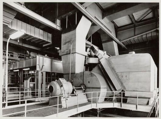 Door Stork in Hengelo vervaardigde A-ventilatoren, tookgasventilator en Multi-cycloon, vliegasvanger voor Gemeentelijk Electriciteits Bedrijf Den Haag, 1959, ten dele naar ontwerpen van ir. Herman van Tongeren (Stork-archief)