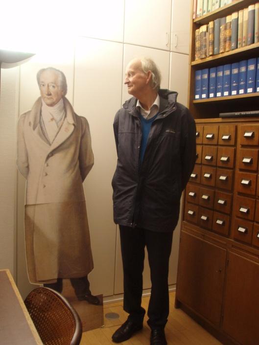 Hans Krol in de bibliotheek van het Goethemuseum van Frankfurt (2013)