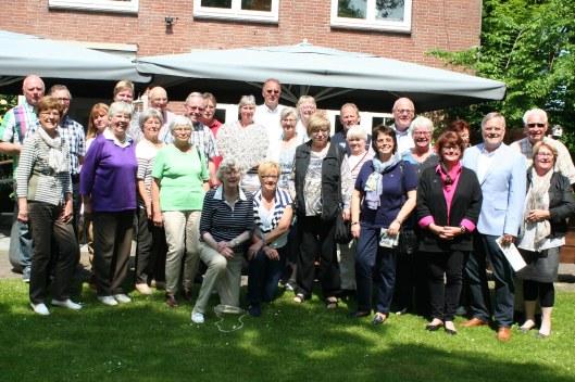 Groepsfoto van bezoek uit Bad Pyrmont aan Heemstede, 16-18 mei 2014