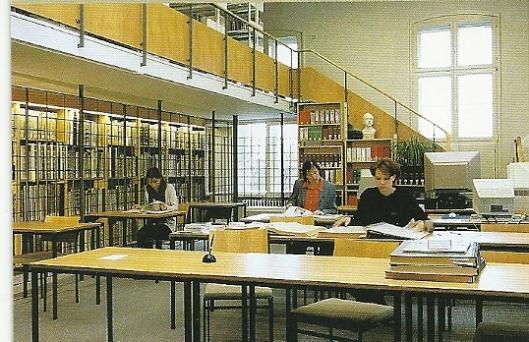 Interieur leeszaal van de Lippische Landesbibliothek in Detmold
