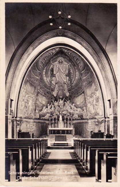 Ansichtkaart van Antonius Abtkerk in Scheveningen met mozaïek van Antoon Molkenboer