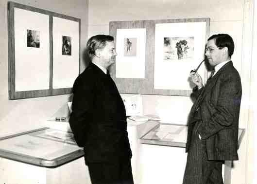 Jan Mul (rechts) opende een tentoonstelling met werk van Harry Prenen (www.janmul.nl)