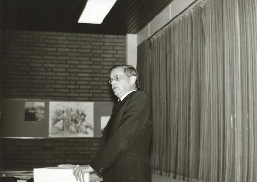 Harry Prenen al spreker voor het Godfried Bomans Genootschap