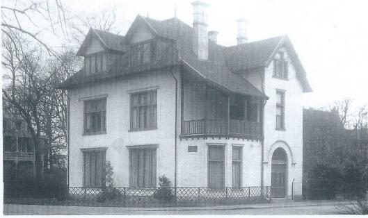 In 1923 werd villa Boshof, grenzend aan de tuin van de Mariastichting, aangekocht voor dertig mille. Het huis werd ingericht als ambtswoning van de geneesheer-directeur van het ziekenhuis. In verband met de grote uitbreidingen aan het eind van de jaren zestig werd het pand gesloopt.