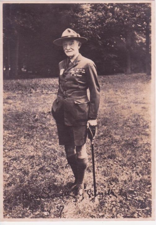 Lord Robert Baden Powell, chief scout, in Vogelenzang, 1937