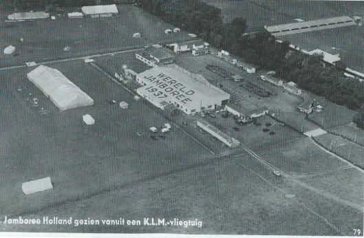 Jamboree Vogelenzang gezien vanuit een KLM-vliegtuig