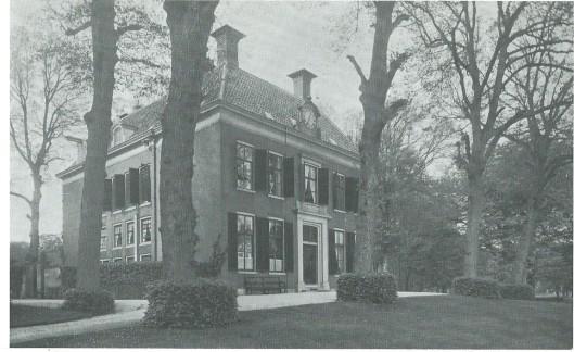 Het Huis te Vogelenzang omstreeks 1930. Sinds 1807 bewoond door de familie Barnaart.