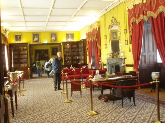 Hans Krol in de bibliotheek van Kilkenny kasteel (augustus 2013)
