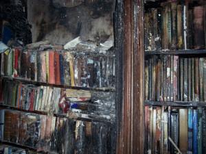 In de nacht van 21 januari 1921 had een grote uitslaande brand plaats in het Allerston kasteel, waarbij ongeveer een-derde verloring ging en ook de bibliotheek tengevolge van brand en bluswater ernstige schade ondervond