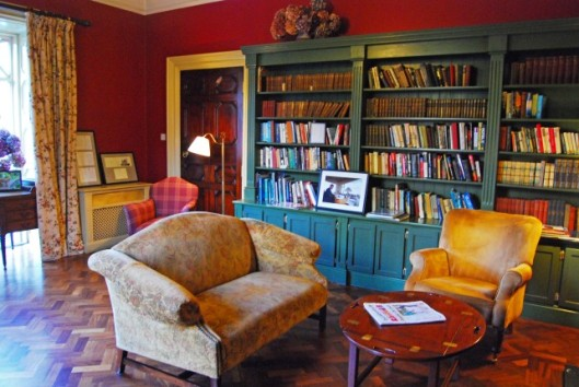 Ballynahinch Castle Library (hotel now)