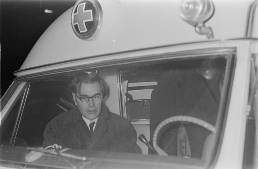 27 februari 1969 was Godfried Bomans in Amsterdam als passagier betrokken bij een auto-ongeval en is hij per ambulance naar de eerste hulp van het ziekenhuis vervoerd