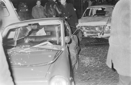 In de eerst auto [die total loss was] had Godfried Bomans op 28 februari 1969 als passagier gezeten (foto Herman Piterse)