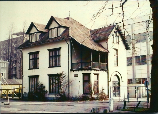 Het intussen afgebroken huis Boshof in Haarlem waar Godfried Bomans een deel van zijn jeugd doorbracht