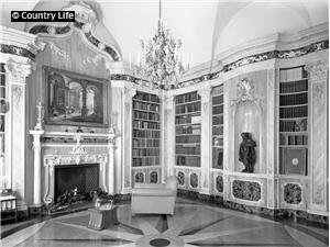 Rococo library in Kensington Palace Gardens, Londen (1939)