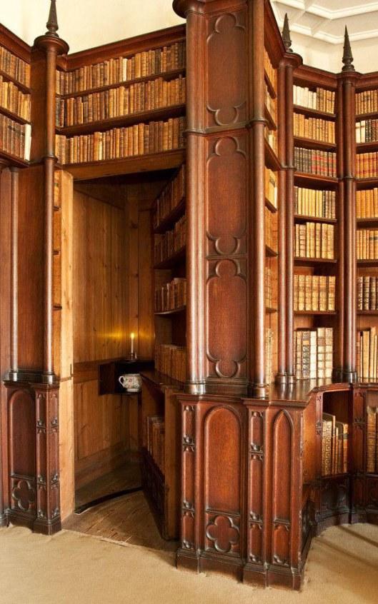 Geheime boekendeur in 17e eeuwse bibliotheek Oxford