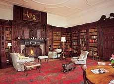 Oxon Hoath House library in Hodlow, nabij Tonbridge (graafschap Kent). Sinds 1992 in gebruik als retraite- en conferentieoord