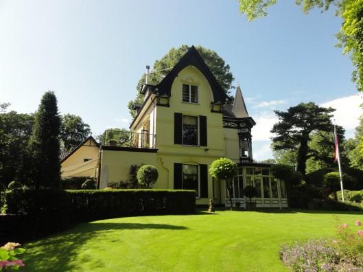 Villa 'Boshof' , Parkweg 10 in Bloemendaal waar de familie Bomans vanaf 1961 woonde.