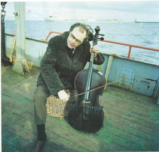 Godfried Bomans als violist op weg naar Rotturmerplaat