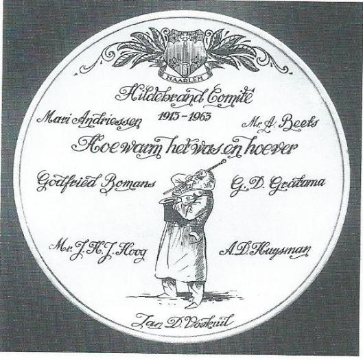 Bij het halve eeuwfeest van het Hildebrand-comité is een herdenkingsbord vervaardigd met de namen van de bestuursleden in 1963 (foto Rob Mostert)