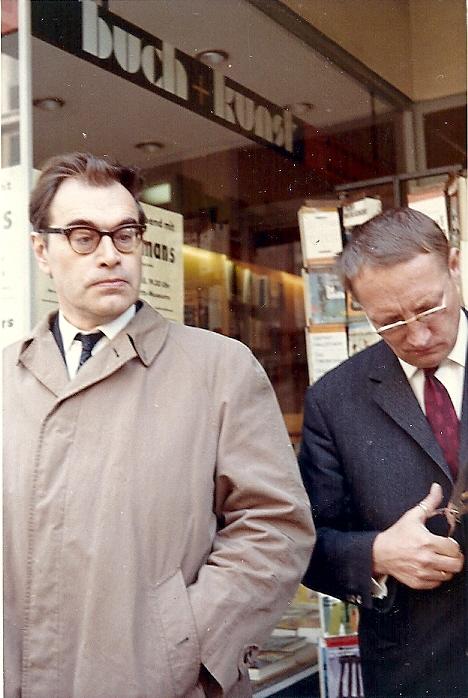 Godfried Bomans in Duitsland bij de verschijning van een boek van hem in de Duitse taal.