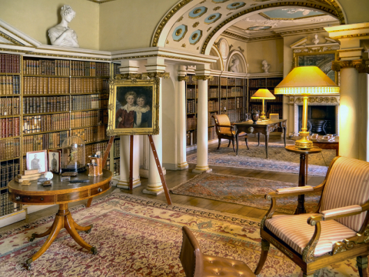 Shughborough Hall Library, nabij Stafford.Behoorde toe aan de graven van Lichfield, de familie Ansom. Tegenwoordig in beheer van The National Trust.