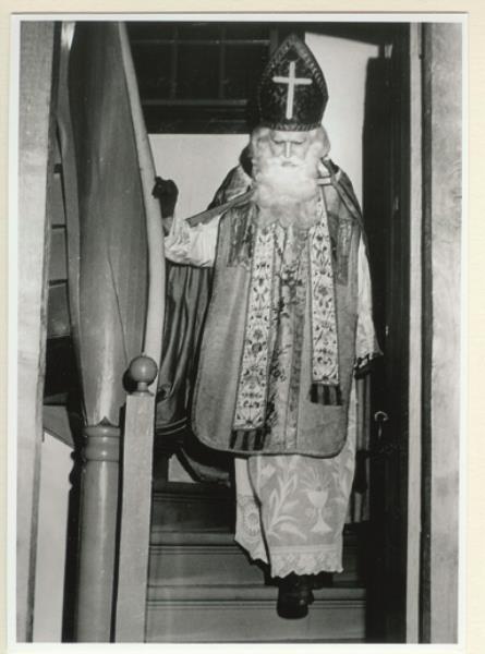 Godfried Bomans als Sinterklaas