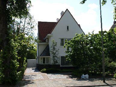 Hwet huis tegenover Geerlingshof waar Jan Hanlo en zijn moeder (Mai) vanaf 1936 woonden