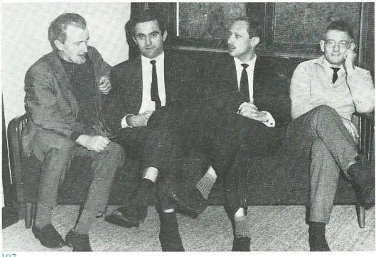 In het redactielokaal van Barbarber met v.l.n.r. Jan Hanlo, K.Schippers, Guus Brands en J.Bernlef