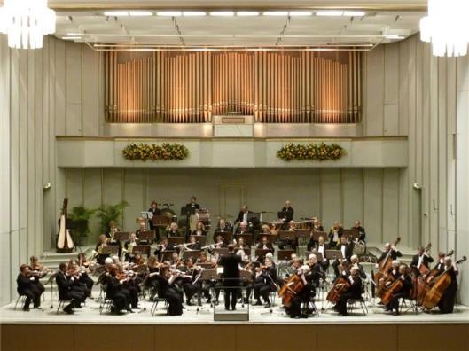 Het Heemsteedse Philharmonisch Orkest in het concertgebouw van Bad Pyrmont