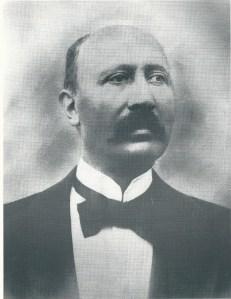Jan Michiel Bomans was o.a. metselaar, aannemer, grondexploitant, kaasmaker, boterfabrikant, drukker, oprichter van een autobuslijn tussen Den Haag en Rijswijk, directeur van een steenfabriek en richtte in 1879 met zijn Heemsteedse zwager Leuven het Haarlemsch Dagblad op.