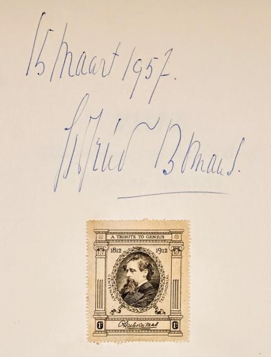 Ex libris met portret van Charles Dickens en handtekening van Godfried Bomans, in een boek uit 1956 afkomstig van Bomans en tegenwoordig in de Brabant-collectie van de Universiteitsbibliotheek Tilburg