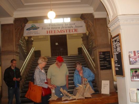 Verwelkoming Heemsteedse delegatie in het stadhuis van Royal Leamington Spa