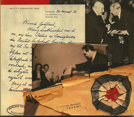 In 1951 overhandigde Godfried Bomans bij Teisterbant een oorkonde aan hagiograaf Emile Erens bij gelegenheid van diens 85ste verjaardag. [Uit: Louis Ferron. De keldergang der heren. 1981. Rechtsboven op de foto Lodewijk van Deyssel en Anton van Duinkerken]
