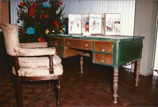 Het bureau uit Berkenrode waaraan Gdfried Bomans aan zijn Pieter Bas werkte