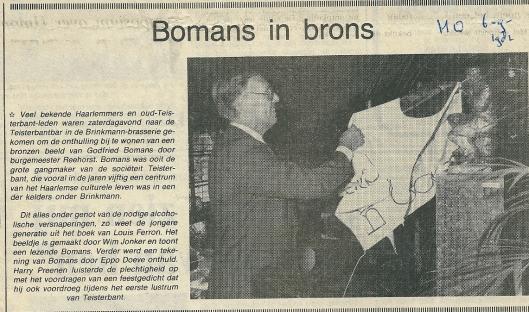 Onthulling Bomans-beeld van Wim Jonker door Haarlems burgeeester Reehorst (Uit: Haarlems Dagblad, 6 september 1982)