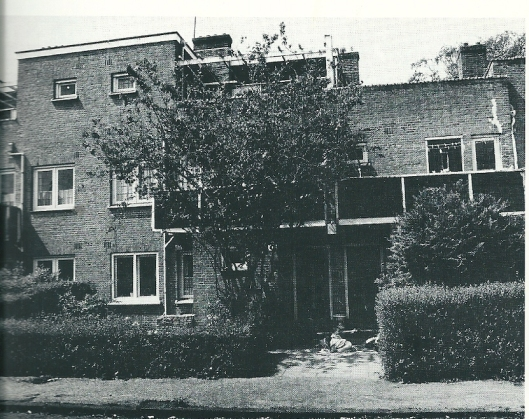 van 1943 tot 1961 woonde Godfried Bomans op het adres Zonnelaan 17 in Haarlem-Zuid