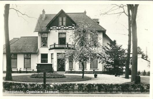 Het gebouw waar de openbare bibliotheek Heemstede van 1948 tot 1975 was gehuisvest; van 1948 tot 1965 inclusief een rooms-katholieke afdeling