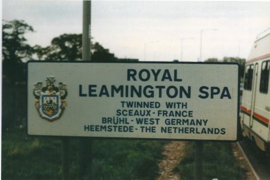 Bord bij de entree van Royal Leamington Spa