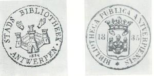 19e eeuws eigendomskernmerk van Stadsbiblotheek Antwerpen, iclufief Latijns equivalent [naar voorstel van bibliothecaris F.H.Mertens (1796-1867)]