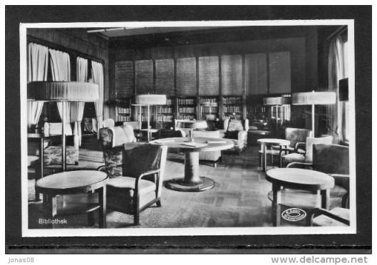 Nog een ansicht van bibliotheek op turbine-stoomboot Bremen uit 1930