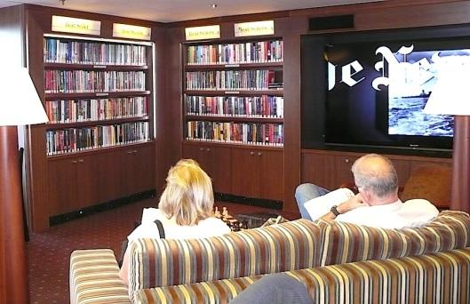 Nog een foto van de Eurodam bibliotheek
