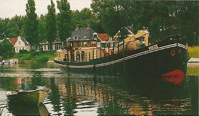 Passagiersschip 'Vrede' van Jan en Mieke Tolsma voer enkel op de Nederlandse rivieren en kanalen
