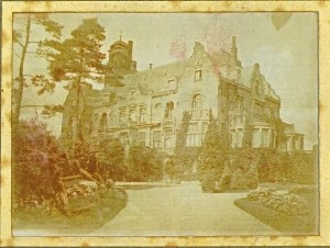 Met in bovenstaand gedacht kasteel is dit pand in Lage Vuursche bedoeld