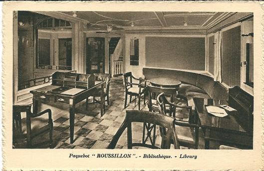 Pakketboot 'Rousillon', de scheepsbibliotheek. Ansichtkaart uit 1936