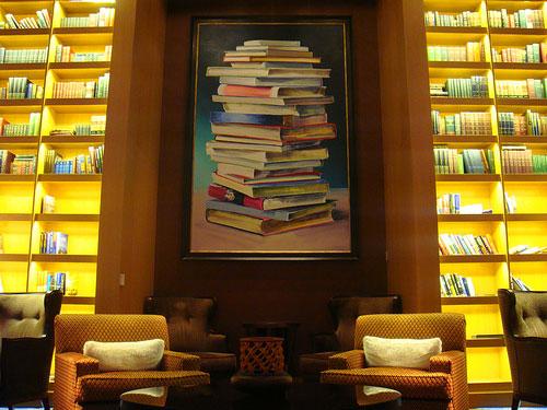 Bibliotheek op cruiseschip Solstice van rederij Celebrity